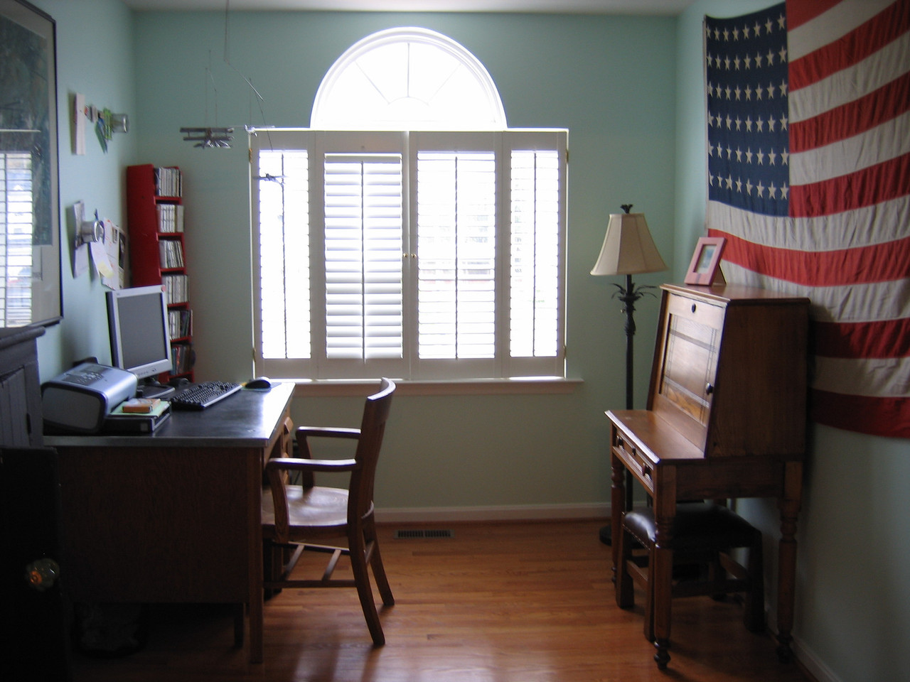 Here is the office.  Note how well decorated the entire house is, with small but nich touches such as the flag and simple desk.
