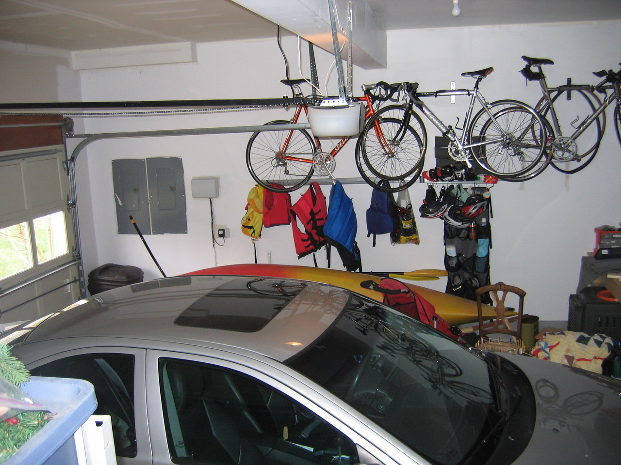 Here is the fully finished garage.  It has a very large workbench to the right.