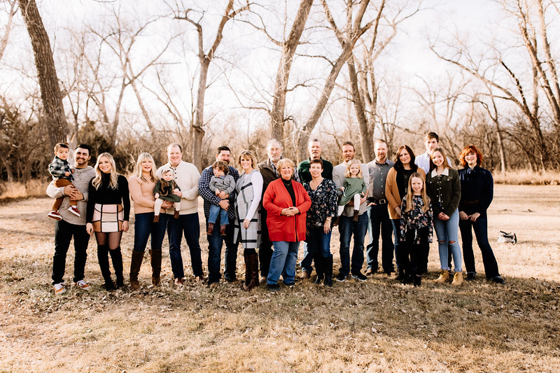 00002-©ADHPhotography2019--huss--family--December22