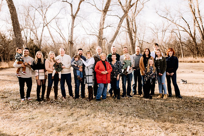 00007-©ADHPhotography2019--huss--family--December22