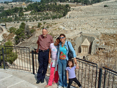 NK,Naama,Nurit,Eden Bahar, above Kidron Valley, Jerusalem, 21Oct06.