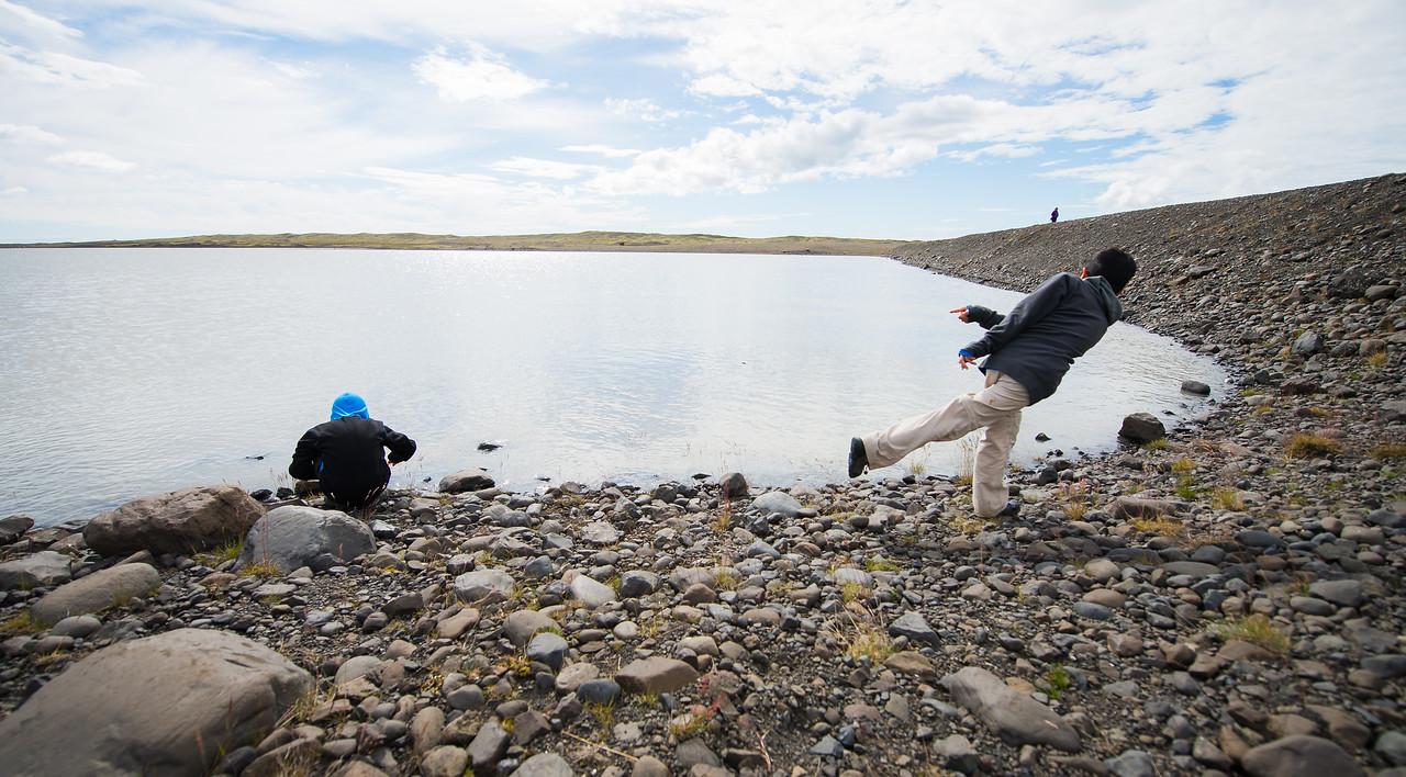 Skipping rocks at Fláajökull