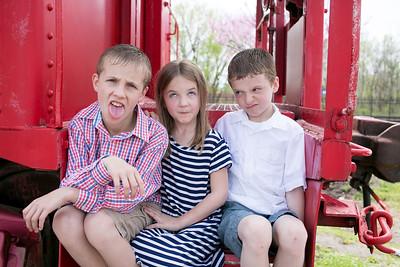 Dutzel-Ashley-Family-Portraits-028