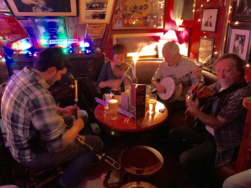 Another local pub in Cork with traditional music.