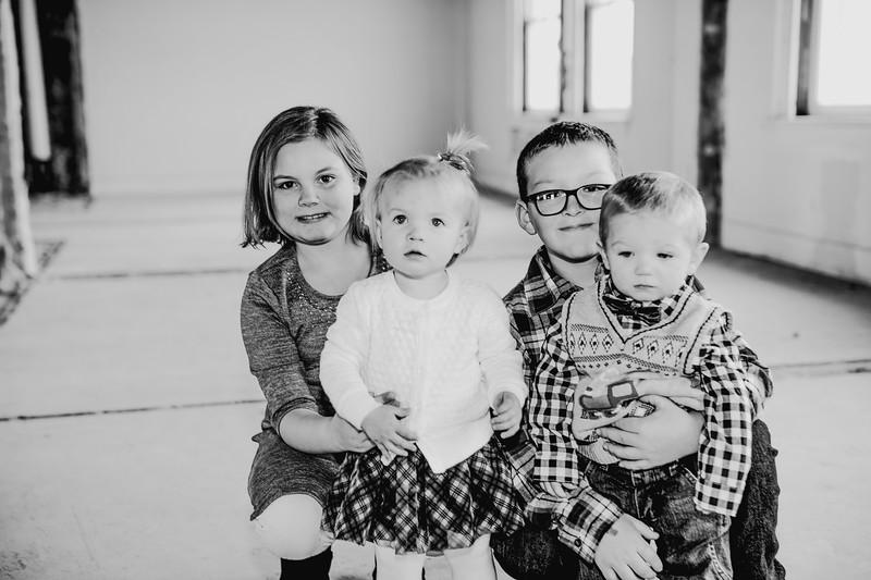 00024--©ADHPhotography2017--Isakson--WinterFamilySession