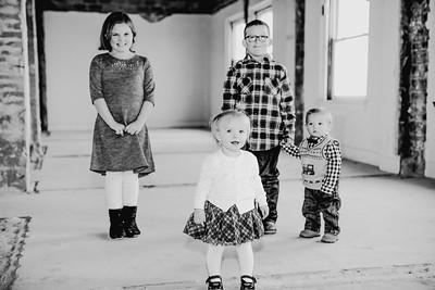 00018--©ADHPhotography2017--Isakson--WinterFamilySession