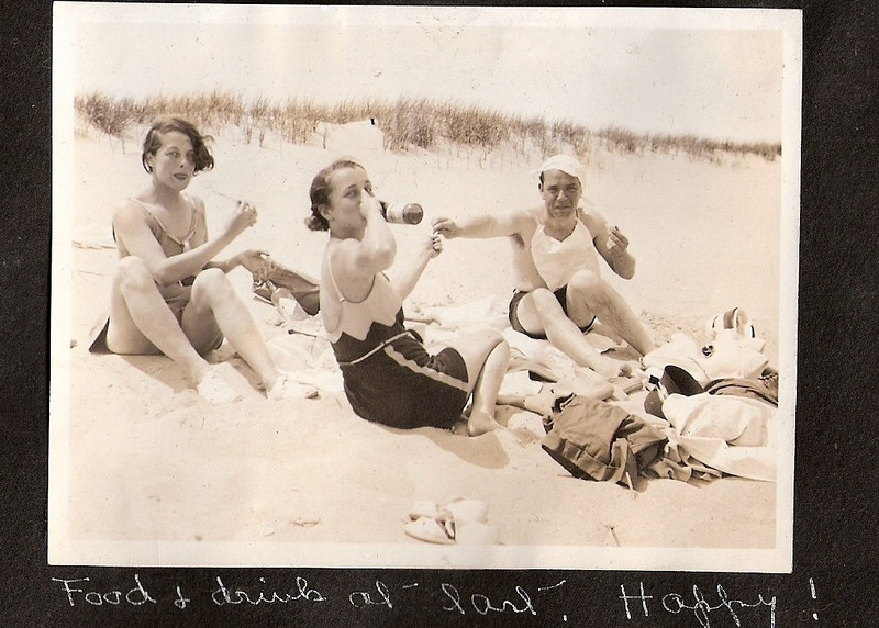 1-lil beach friends 1932