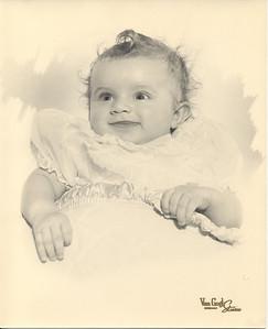 1956-10-29 Rosemary Izzo (baby) 02