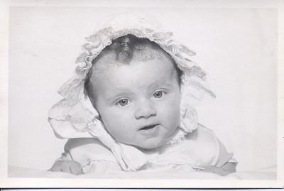 1956-10-29 Rosemary Izzo (baby) 06