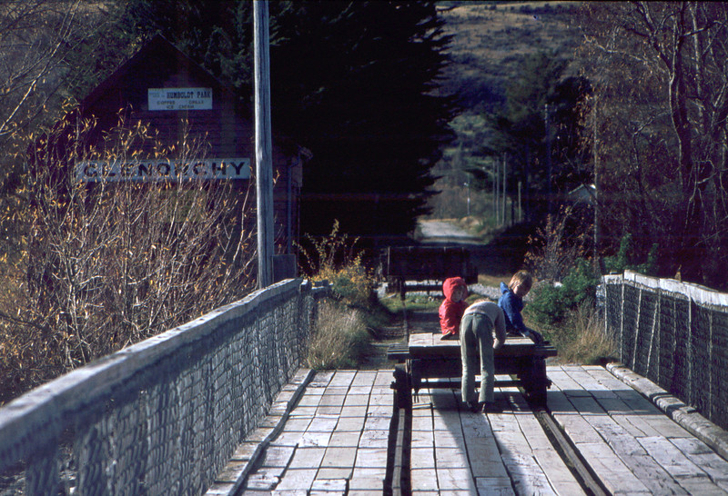 Riding the goods wagon, Genorchy 1974