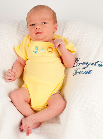 Breyden's Newborn Photos