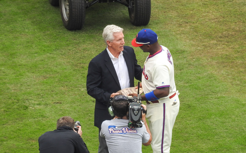 Mike Schmidt & Ryan Howard @ Ryan Howard's Last Game As A Philadelphia Phillies Player.