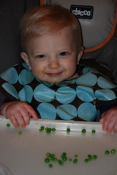 Brady tries whole peas for the first time!!