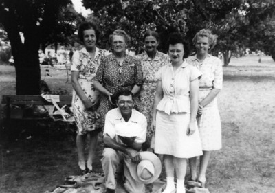 Martin and Minnie with daughter-in-law Agnes(left) daughter, Geraldine(on right) and two unidentified ladies. (Possibly that 1946 birthday picnic in Clear Lake?)