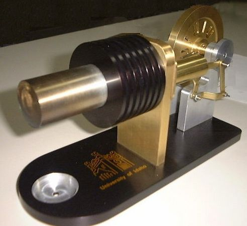Stirling engine manufactured by the UI graduate students.