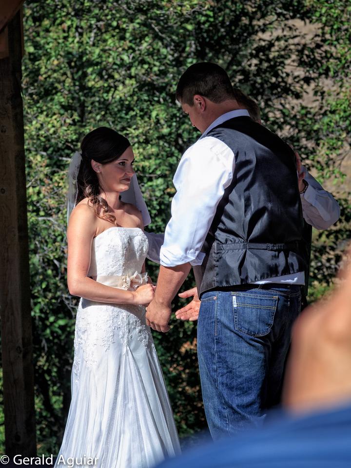 Jessie Joe and Luke exchanging vows