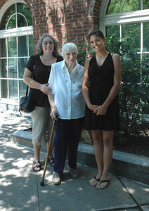 Joanne & Zory Messinger & Allison-Princeton Aug 09_2703A