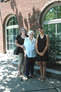 Joanne & Zory Messinger & Allison-Princeton Aug 09_2703