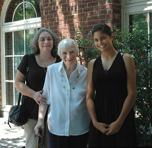 Joanne & Zory Messinger & Allison-Princeton Aug 09_2701A