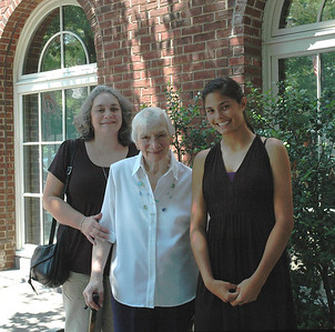 Joanne & Zory Messinger & Allison-Princeton Aug 09_2701b