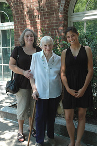 Joanne & Zory Messinger & Allison-Princeton Aug 09_2702-2