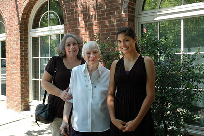 Joanne & Zory Messinger & Allison-Princeton Aug 09_2700