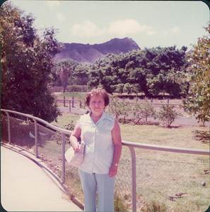 1975_MD_Hawaii0000023A