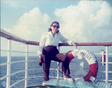 1985_1987_MD_Bahamas0000903A