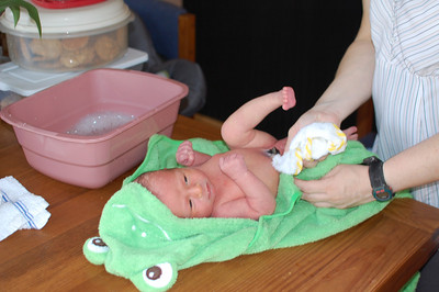 First sponge bath at home.