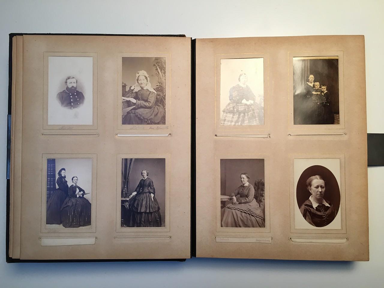 Johanne Hedemanns Album side 4 billede nr. 12 - 19
