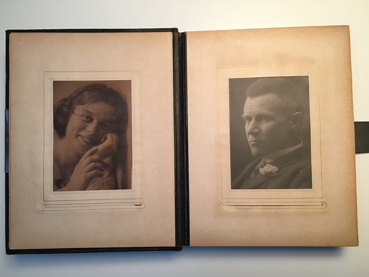 Johanne Hedemanns Album side 2 billede nr. 2 - 3
