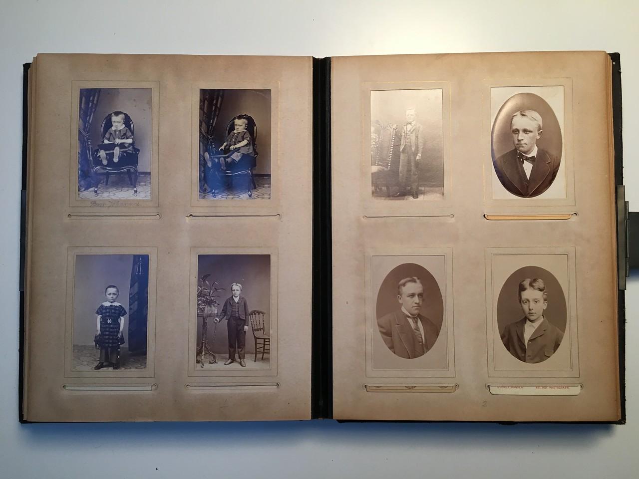Johanne Hedemanns Album  side 13 billede nr. 66 - 73