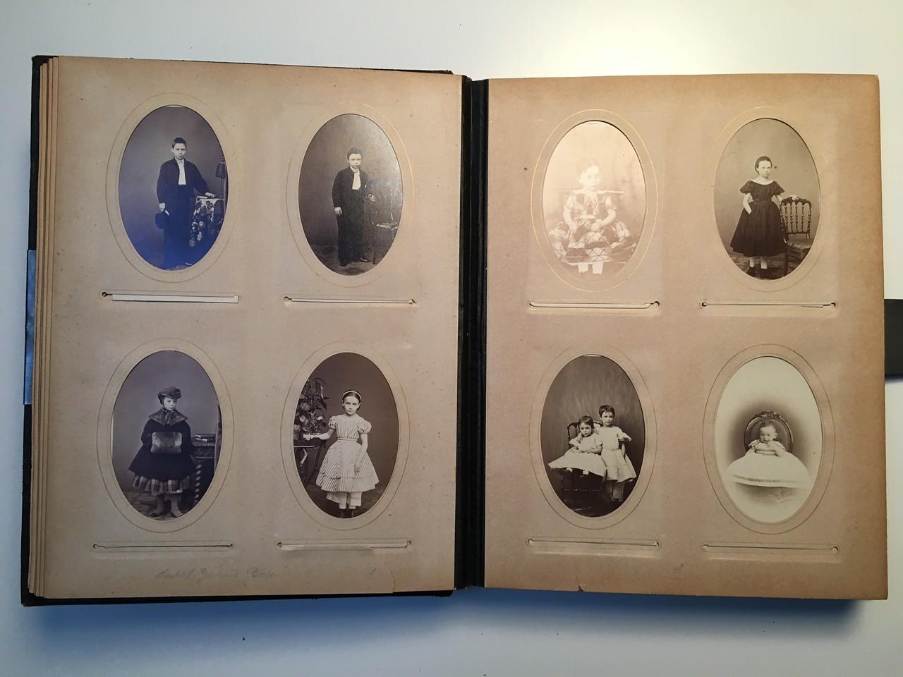 Johanne Hedemanns Album side 6 billede nr. 28 - 35