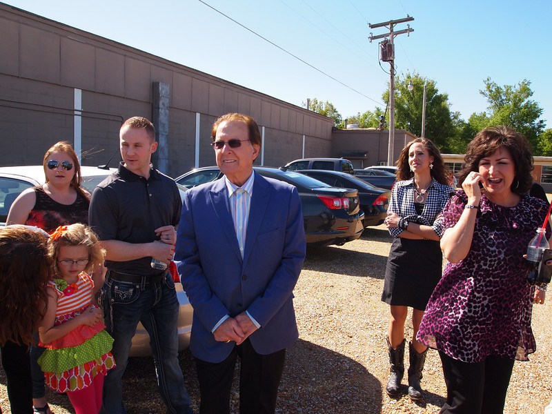 Mira Millichamp, Brandon Millichamp (both children of Darla Cash Millichamp), Tommy Cash, Mariah Istre, Rhonda Ponessa, and Mattie Millichamp (front left).