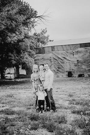 00012--©ADHphotography2017--JordanJayJohnson--FallFamily