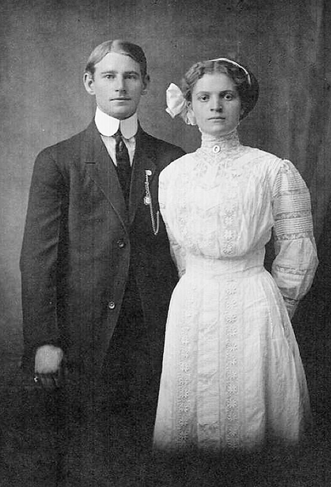 Arthur E. Johnson and Flossie N. Coles wedding picture 1910