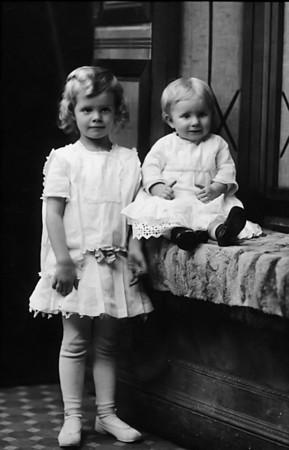 Eleanor and Lois Ruth Johnson