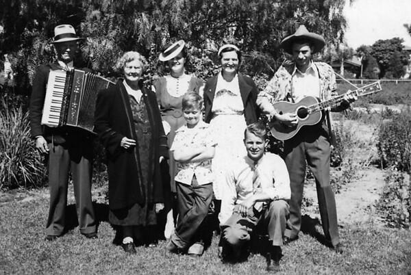Back row: Uncle John Cole, Grandma Cole, Eleanor Hauser, Grandma Johnson, Wilson Stansberry.  Front row, David Hauser and Glen Johnson ~1940 (?).