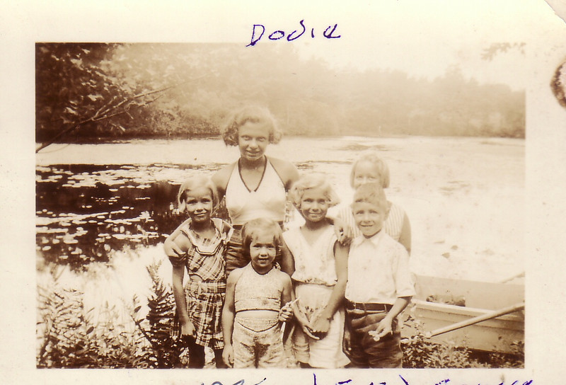 Dodie (Dorothy Johnston) 1935 Shir? Eve, Sonny the 3 on right