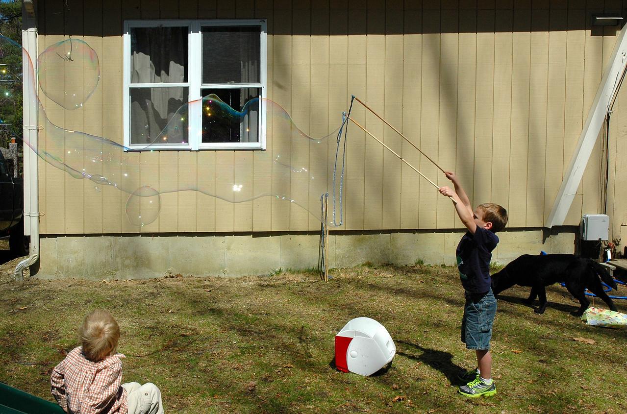 Making Bubbles Like the Bubble Man