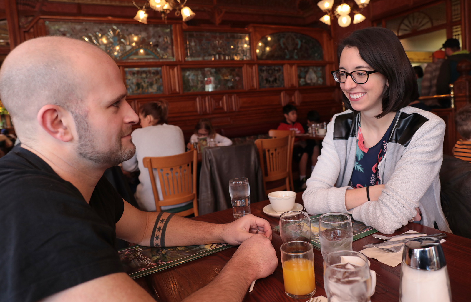 Justin Petersen and his wife, Giorie Mahn, make their first visit to Walker Brothers' Famous Pancake House in Wilmette.