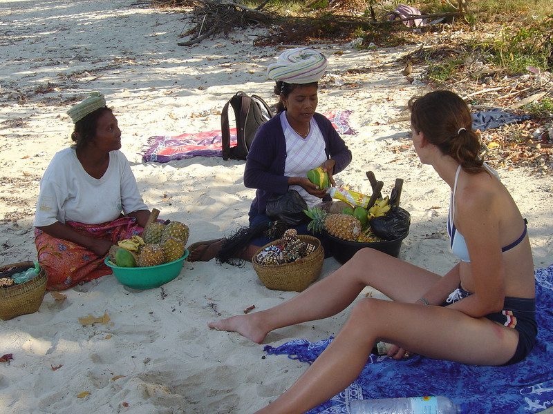 Gili Air, bargaining for mangos and pineapples