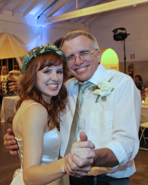 Proud father of the bride is Dan Effrein, one of Sharon's three brothers.  Smile!!!