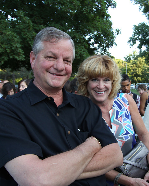 Steve and Julie Barnes.  Julia is one of Sharon's six sisters!