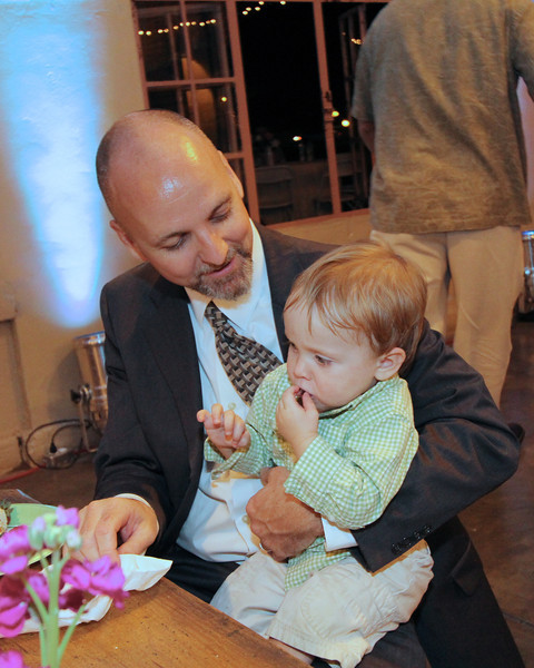 Our son-in-law Jonas stuffing Robert with cake!  And oh what cake there was!!!
