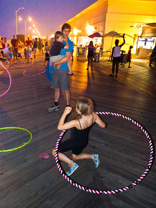 11000710_Family_Hula_Hooping_108