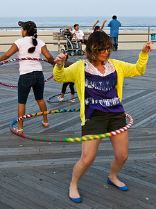 11000710_Family_Hula_Hooping_24