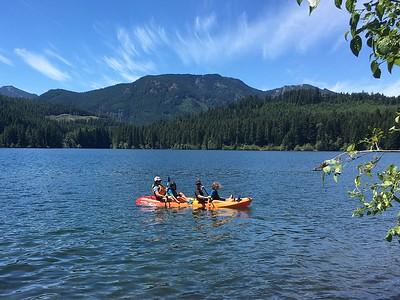 kayaking Lake Easton with Avital & Noa