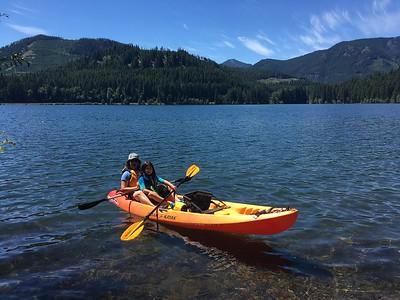 paddling Lake Easton