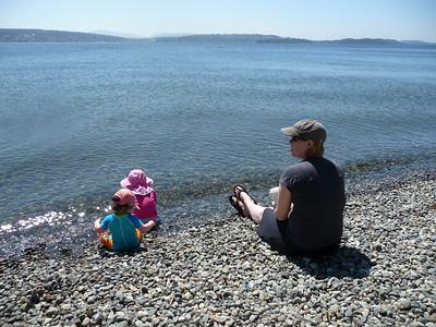 Hannah, Elizabeth and Shannon at Lake Washington